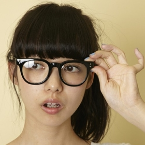 メガネ女子必見♡顔の形に合った、お洒落な伊達メガネの選び方
