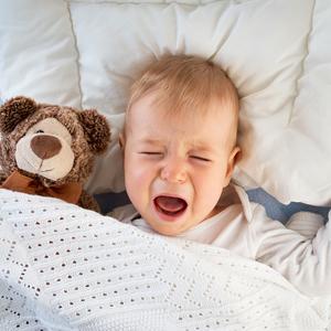 生後10ヶ月頃になると増える夜泣き……うまく乗り切る4つの方法