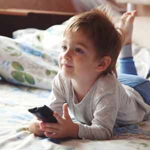 テレビやスマホを見たがる子どもへ!今日からできる見過ぎ対策♪