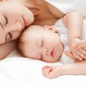 朝までぐっすり♡ママも赤ちゃんもハッピーな『ねんねトレーニング』