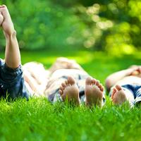手足の指の皮が剥けた…子どもも水虫になるって本当?予防策はある?