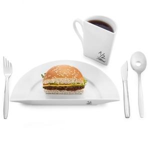 ホームパーティーに笑いを提供♡ユーモア溢れる食器をご紹介!