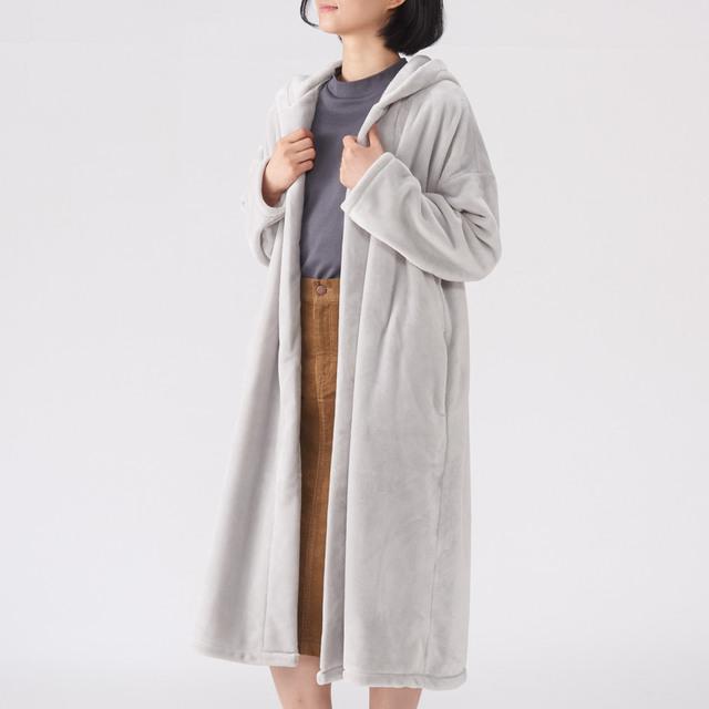 無印良品の着る毛布フード付ガウンコート