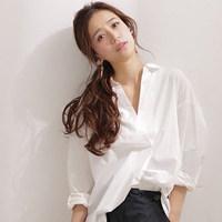 只是穿著就散發出不凡的美人氣息……♡春天不可或缺的「白襯衫」☆