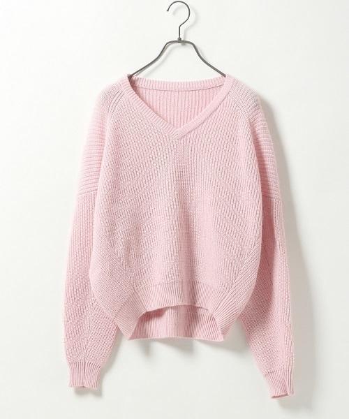 ピンク色ニット