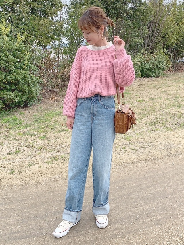 ピンクニットの春コーデ