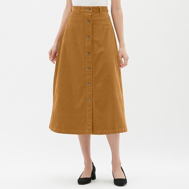 GUのコーデュロイフロントボタンロングスカート
