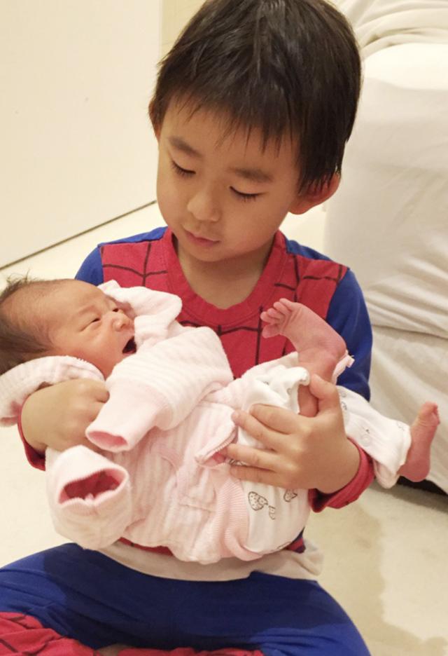 東尾理子 第三子 子育て
