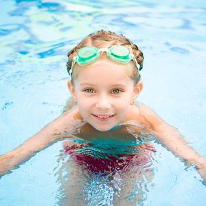 これで上達間違いなし!小学生への《水泳の教え方》4つのポイント
