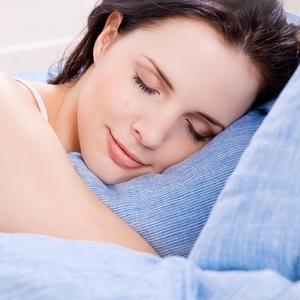 ぐっすり眠りたい♡「王様の抱き枕×赤すぐママ隊」コラボの抱き枕