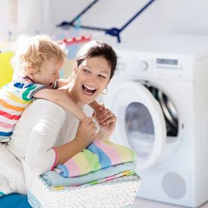 専門家から学ぶ!「蛍光増白剤フリー」の洗剤を使いたいワケとは?