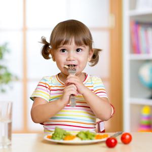 頑張りすぎは卒業!子どもの「食事の悩み」を軽くするコツ4つ