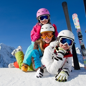 白銀のゲレンデに会いに行こう!みんなで楽しめるお勧めスキー場4選