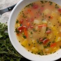 野菜クズが絶品スープに♪栄養と旨味たっぷり「ベジブロス」の作り方