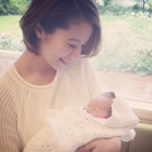 待望の第一子をご出産!モデル・神戸蘭子さんの幸せいっぱいフォト♡