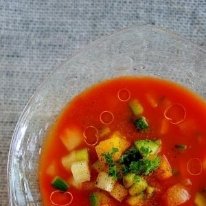 食べるほど綺麗に♡見た目もgood!!な夏のひんやりスープレシピ