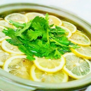 冬の新定番!美味しくてキレイになれる「塩レモン鍋」って?