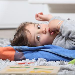 一人っ子なのに起こるの?子どもの「赤ちゃん返り」の原因と対策