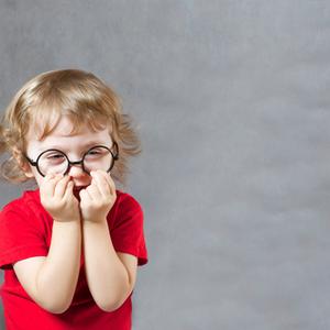 4歳になってもブランコが怖い……子どもの怖がりを克服させるには?