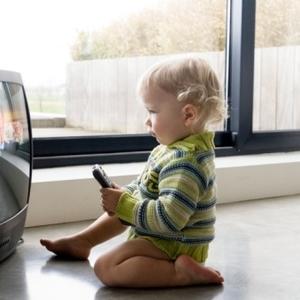 見逃せない!babyも興味深々なTV番組「ディズニージュニア」♪