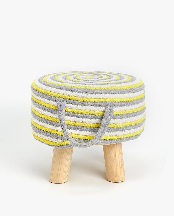 ザラホームの椅子