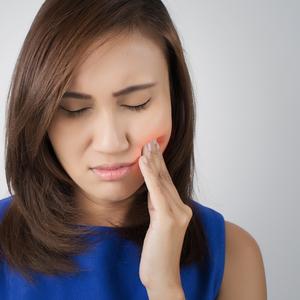 痛~い口内炎。早く治すための4つのコツとは?