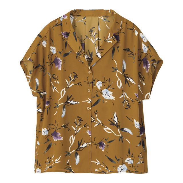 GUのフラワープリントシャツ