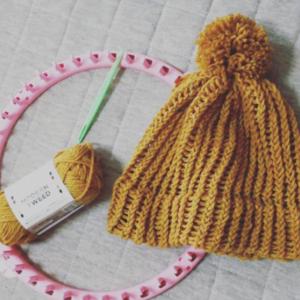 ママの間で大好評!セリアの「ニット帽メーカー」で簡単編み物♪