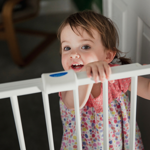赤ちゃんを守る「ベビーゲート」の作り方♡ワイヤーネットで簡単DIY