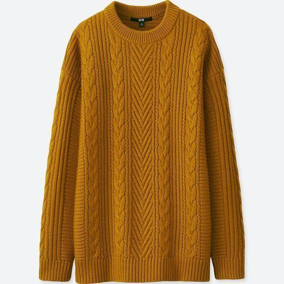ユニクロのケーブルロングセーター