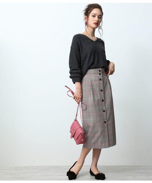 フロントボタンスカートのコーデ例