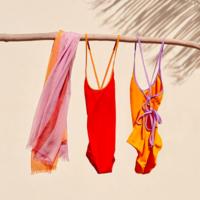 ユニクロから水着が登場♡ママ向けの新作ビーチウェアをcheck!