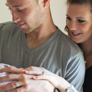 初出産ママに推薦!「おくるみ」が親子両方にもたらすメリットとは?