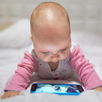 子どもにYouTubeは見せるべき?ネットの良い影響と悪い影響