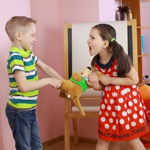子供のケンカに親はどう対処してる?成長につながる3ヶ条とは