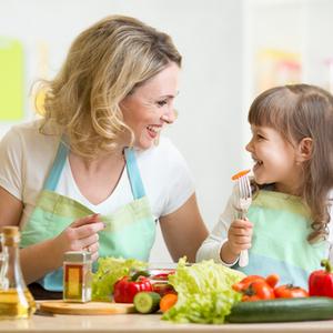 幼少期の食事マナー「これってあり?なし?」お悩みポイント5つ