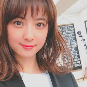 """佐々木希さんも♡春のヘアスタイルは""""くびれワンカール""""で決まり!"""