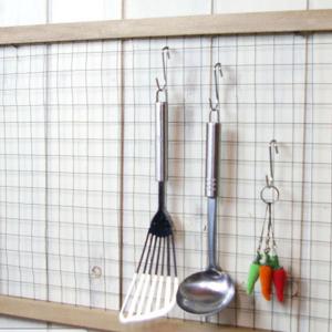 台所も玄関もすっきり♪<海外発>ワイヤーネットの活用術6つ