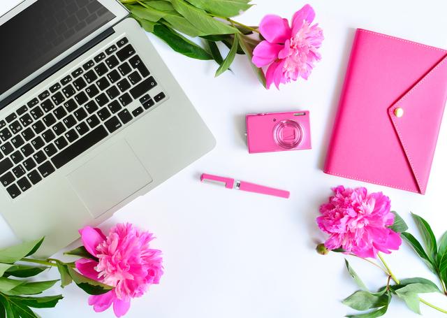 ピンク パソコン デスク