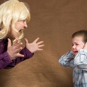 親も一緒に成長!子どもを励ます叱り方とは