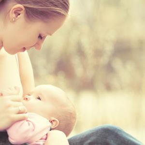 突然の「授乳拒否」不安なママのお悩み解決!その原因と対処法を紹介