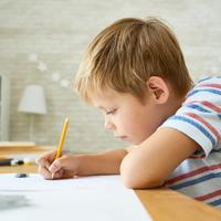 初めての塾にドキドキ……不安を抱える子供への対処法とは?