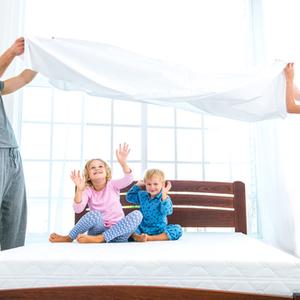"""起きてすぐ""""ベッドメイキング""""しちゃってない?寝起きのNG行動とは"""