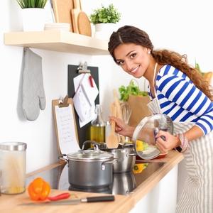 今から食生活に気をつけよう!《認知症予防》に役立つ食事とは