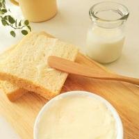 品薄が続くバター。生クリームをシェイクして作る自家製バターとは♪