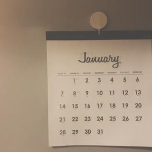 モノトーンがおしゃれ♡セリアの2018年カレンダーが既に激売れ!