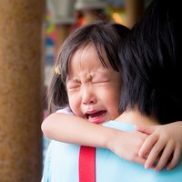 「なぜうちの子だけ…」運動会で泣いてしまう子供にどう対処すべき?