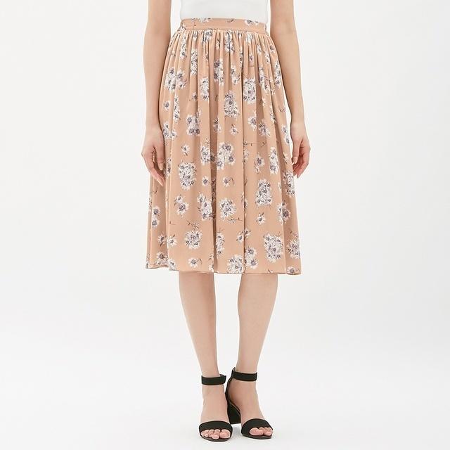 GUの新作フレアスカート