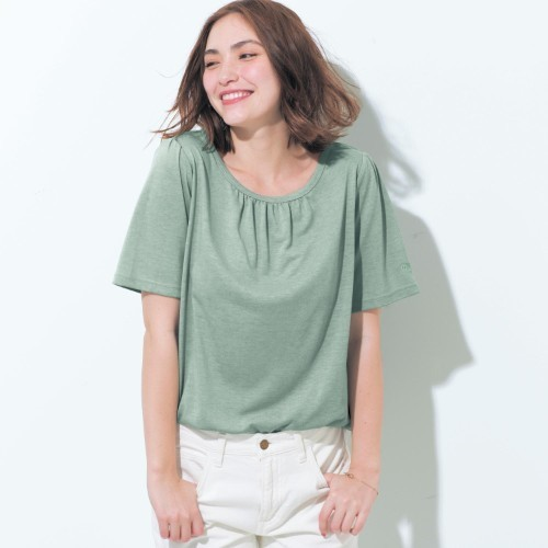 胸元ギャザーの汗ジミ対策Tシャツ
