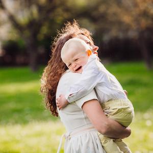 子どもの心が傷つくかも……?泣き止まない3歳児へのNG対応4つ
